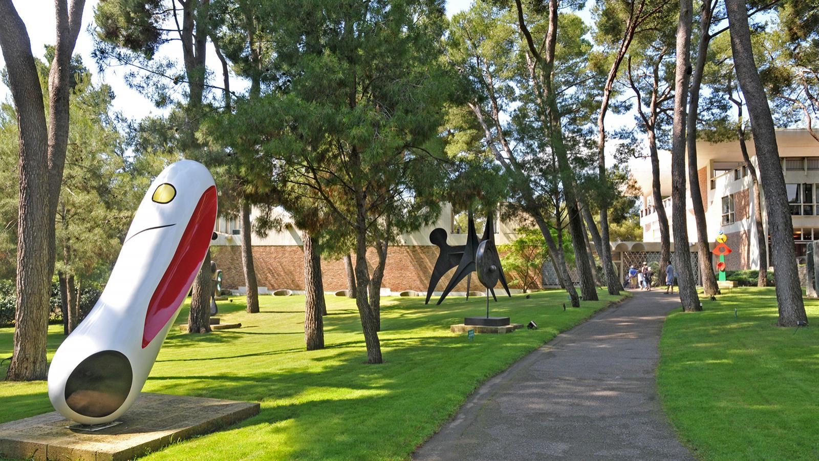 Fondation Maeght - Vue du jardin de sculptures