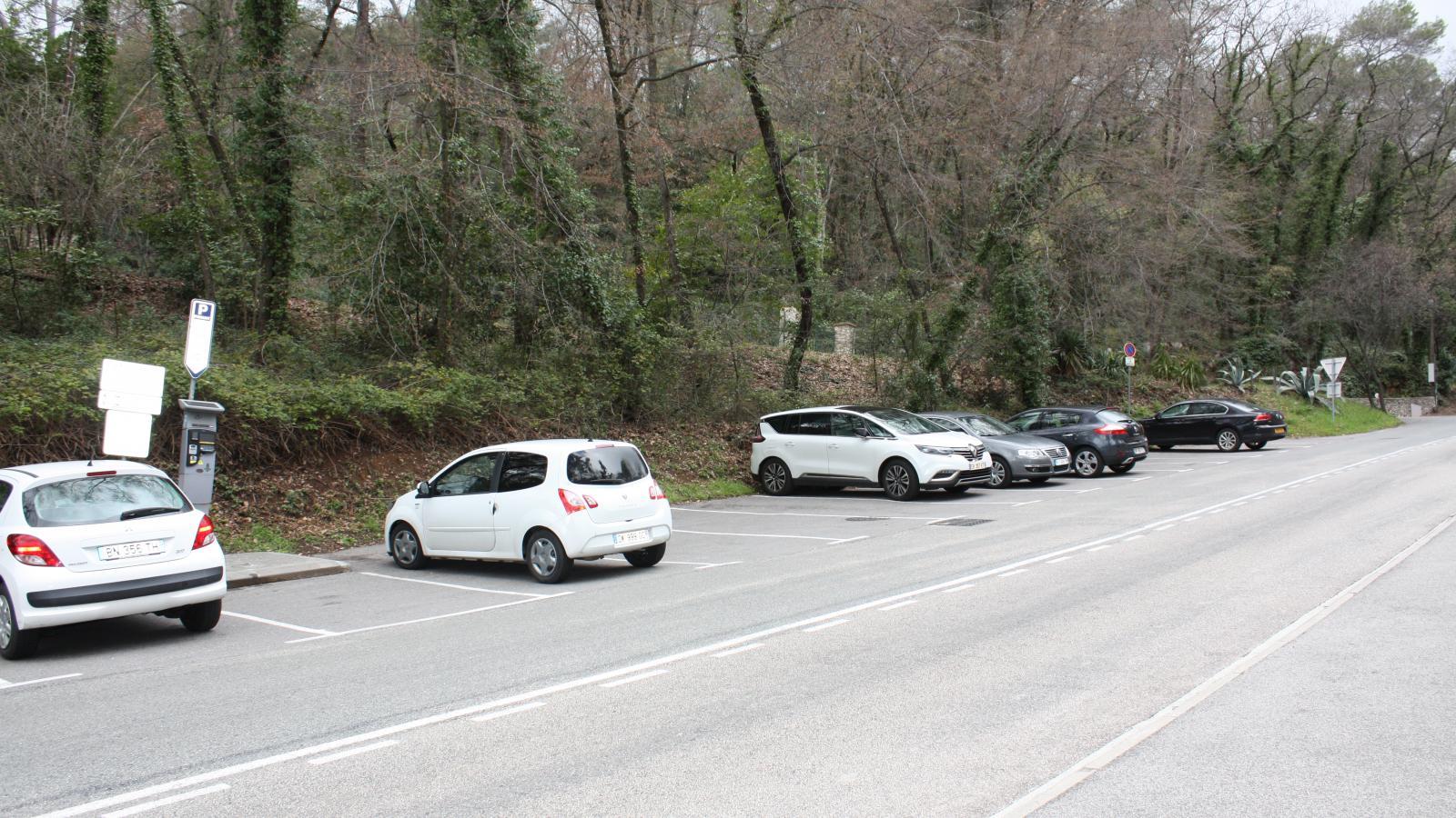 Parking public Montée des Trious