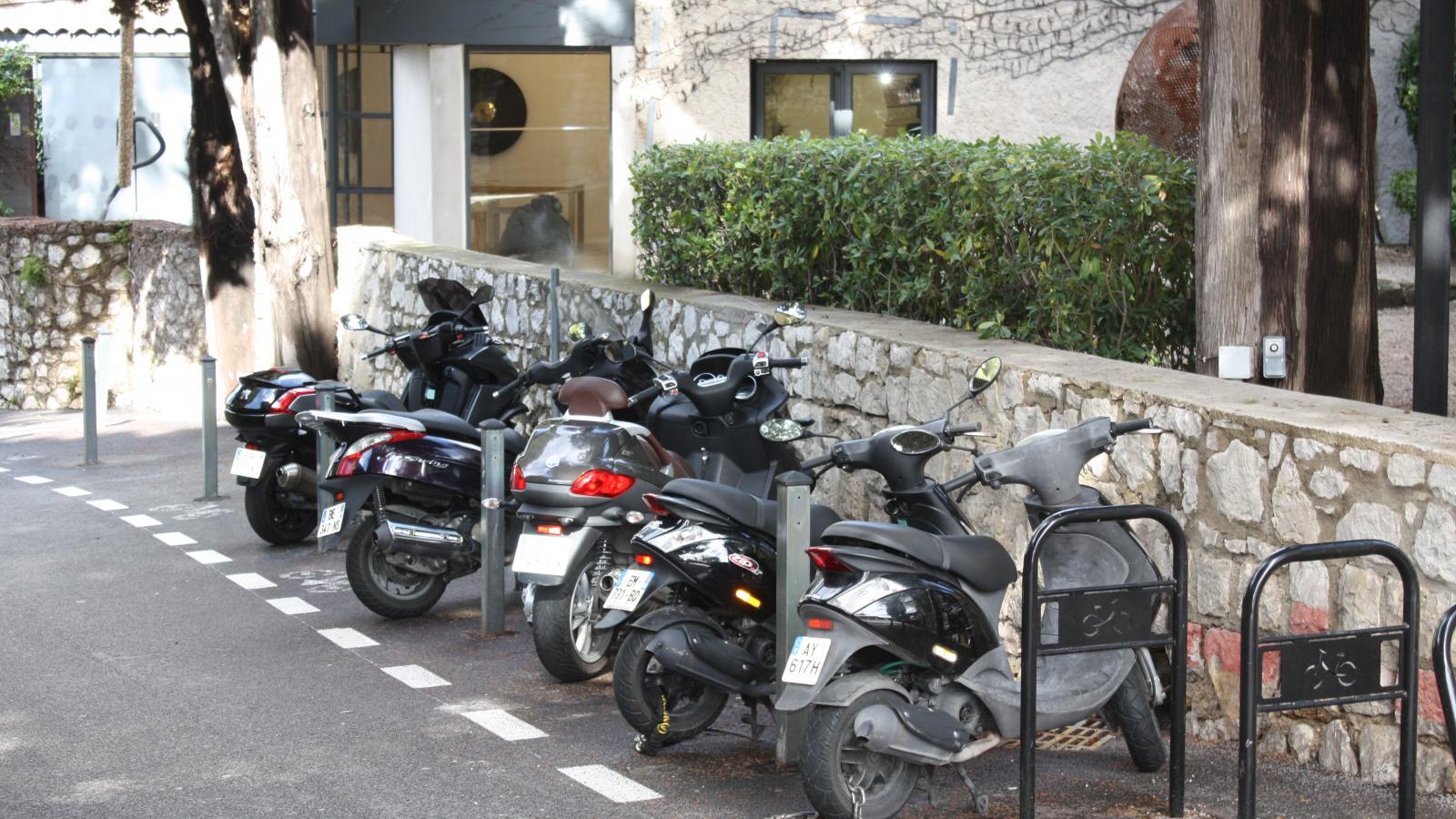 Parking réservé pour les deux-roues