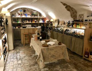 Cave de Saint-Paul