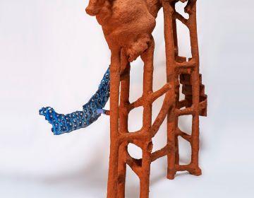 Gautier Ferrero, Taureau, 2020, Céramique, 75 x 35 x 51 cm. Courtesy de l'artiste et de la galerie Catherine Isser